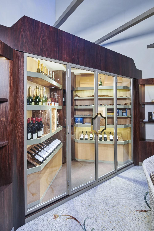 Wine cellar new design Cantina vini con design contemporaneo