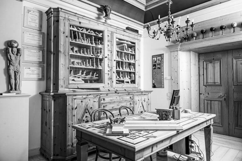 libreria tavolo legno su misura