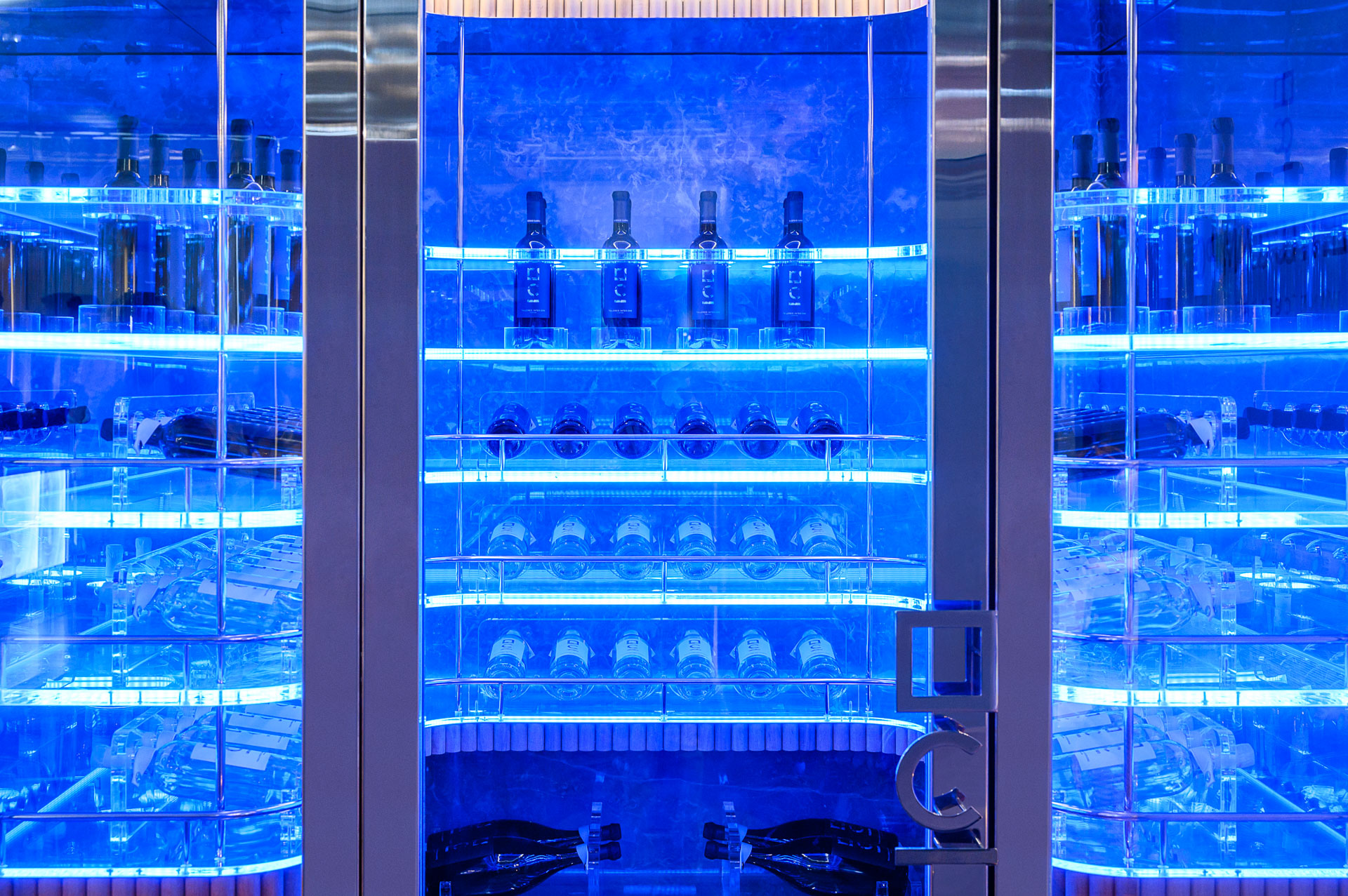 cantine vini per yacht | wine cellars for luxury boats